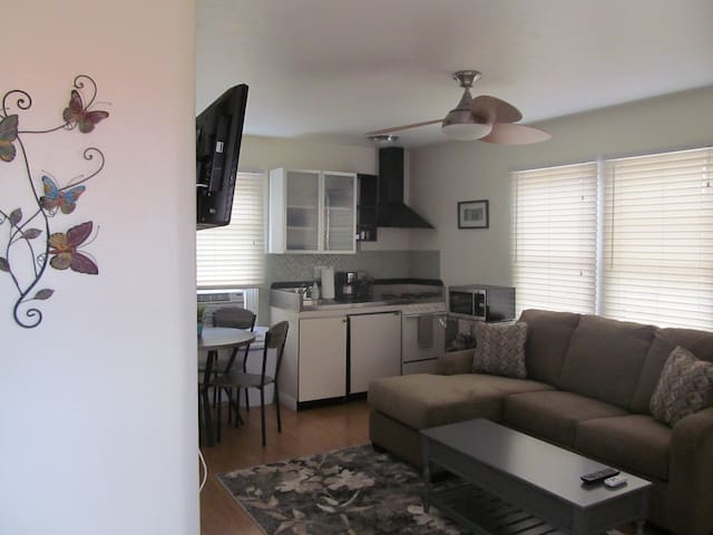 COZY granny flat,sleeps 3 - San Diego - Appartement