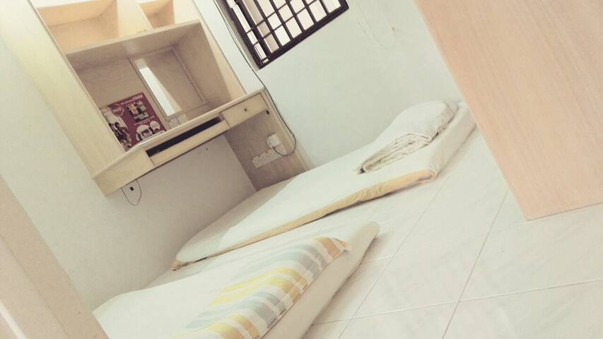 two people  room - Bayan Lepas - Flat