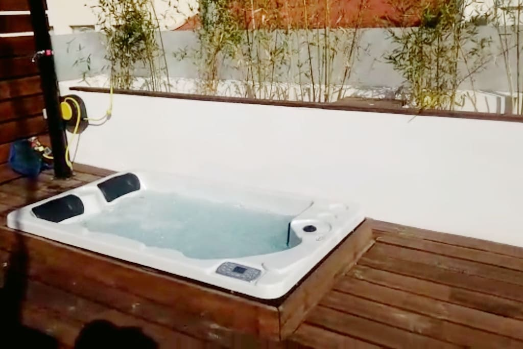 private jacuzzi available