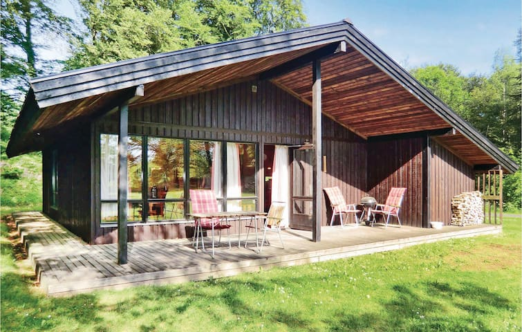 Holiday cottage with 3 bedrooms on 82 m² in Tjörnarp