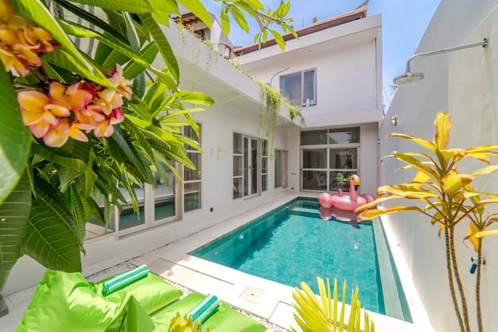 Prime Seminyak Area,New Modern Chic 3BR Pool Villa