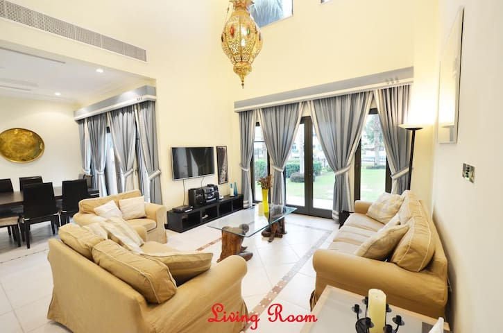 Furnished Three BR Villa Canal View-Palm Jumeirah - ドバイ - 別荘