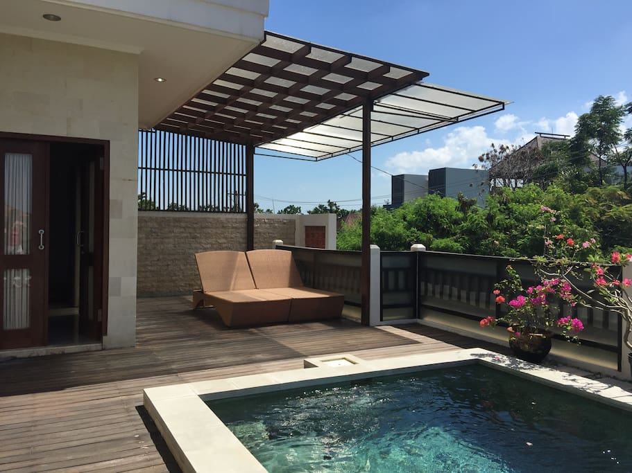 Private sun lounge with sun roof