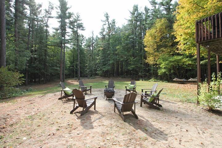 10 acre woodland paradise!