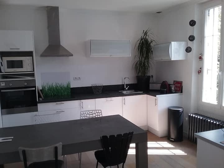 Maison avec jardin- Cholet -  20 mn du puy du fou