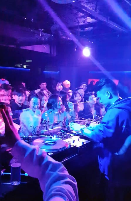 Dj Wegun from AOMG at the Club