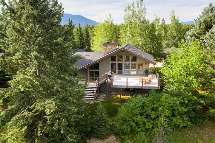 Stunning West Glacier Home w/ Majestic Mtn Views!