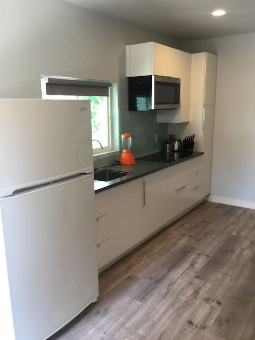 Completely new kitchen area/appliances