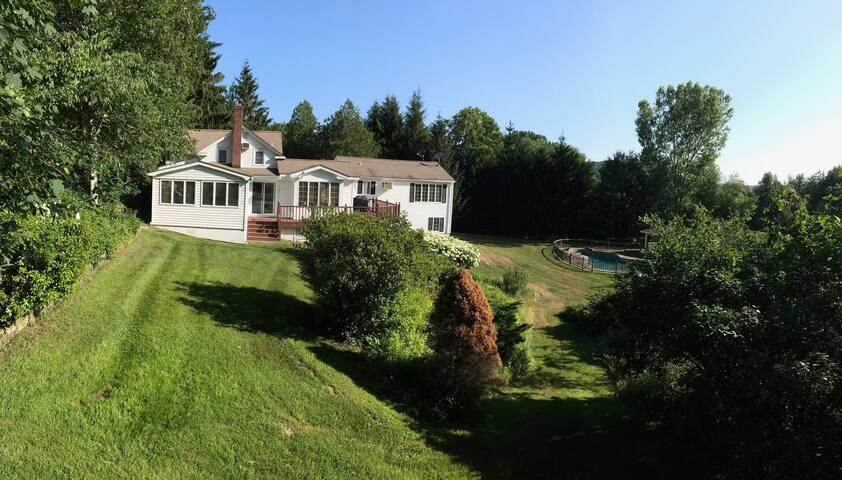Serene Private Estate w/ Pool, Tennis and Yoga