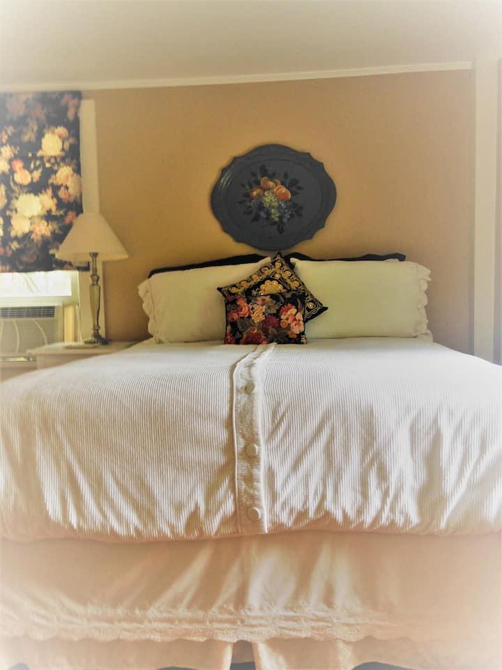 Inn at TONMAR - The Garden Room