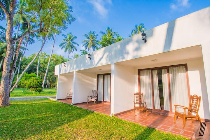 Luxury Apartment  Near Colombo Airport - Oreeka