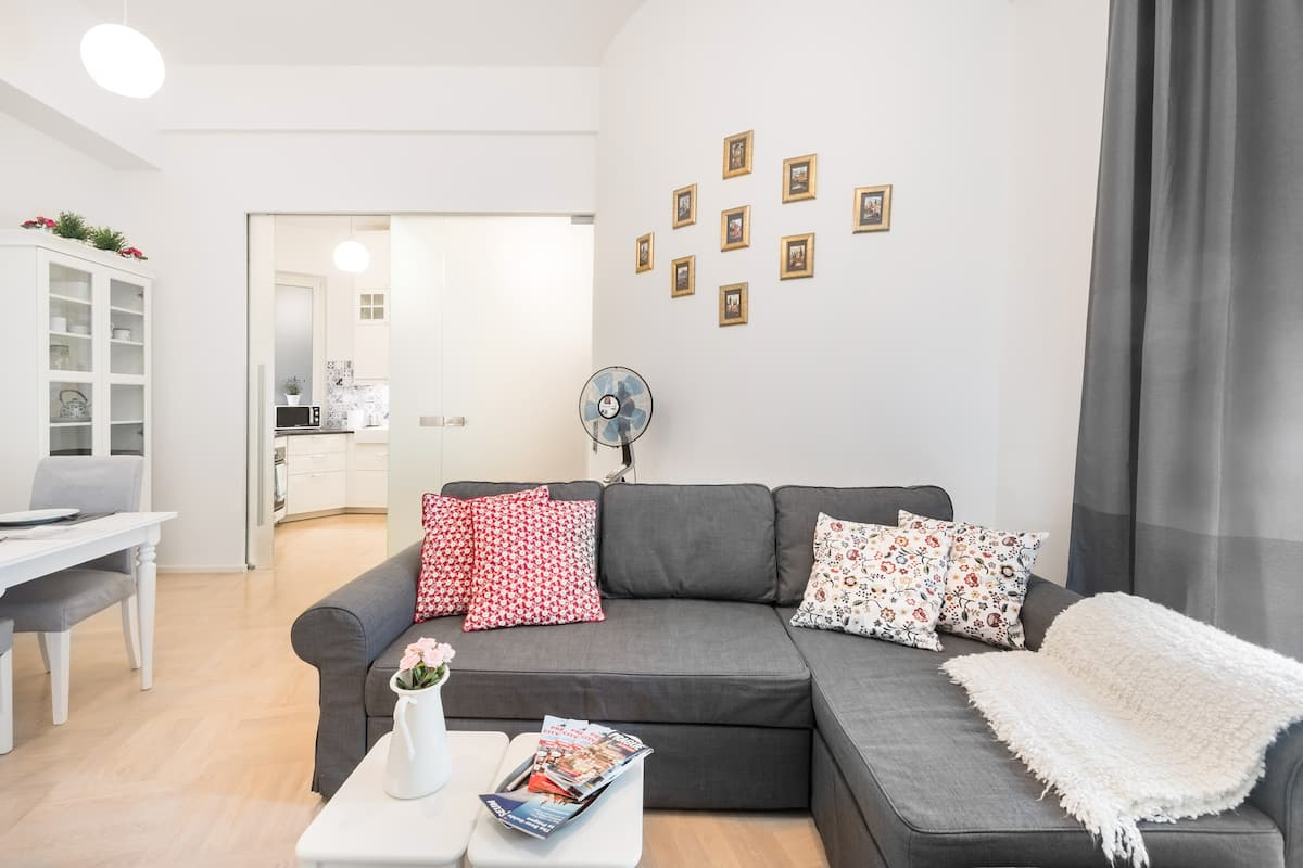 Quiet, Roomy, Child-Friendly Balcony Flat in Prime Location