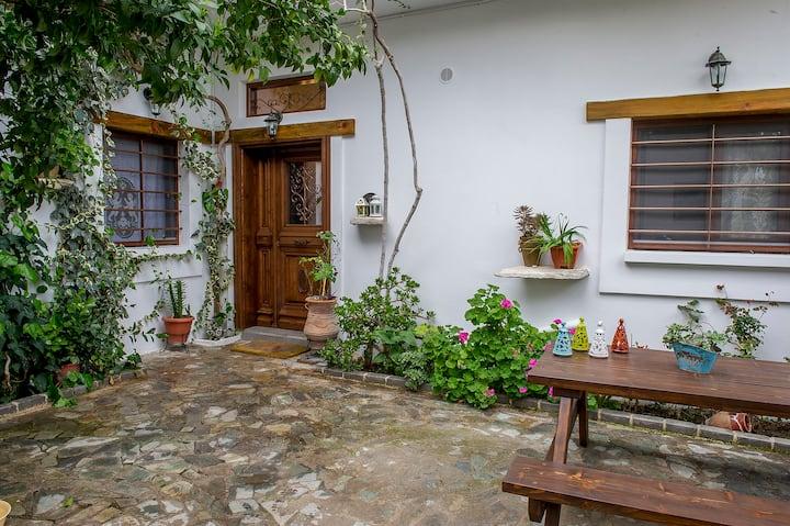 Roussaki cottage