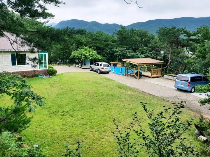 경주 산내 서윤하우스  300평 단독 팬션  단독  수영장  청룡폭포 오분거리^^