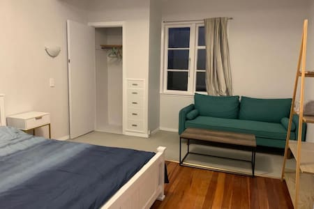 G-Cozy private room in the convenient spot in Tawa