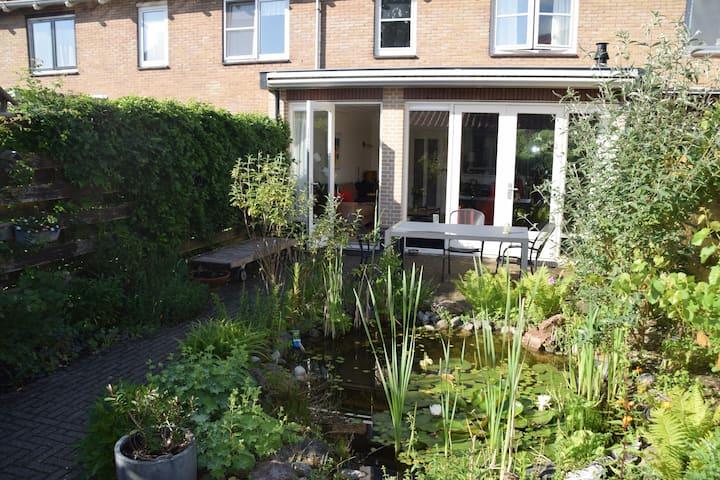 Comfortabel huis met tuin aan rand van bos en hei
