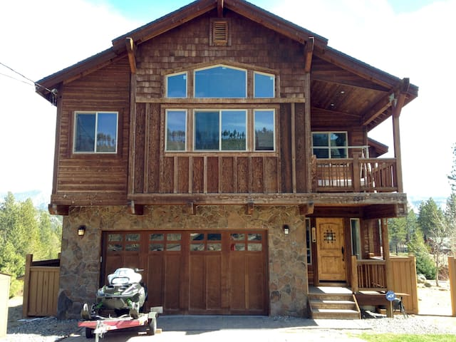 Entire floor 2 bedrooms  w/hot tub - South Lake Tahoe - House