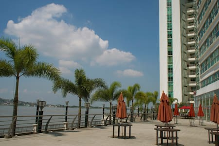 Downtown apartment in the best part of town. - Guayaquil - Apartament