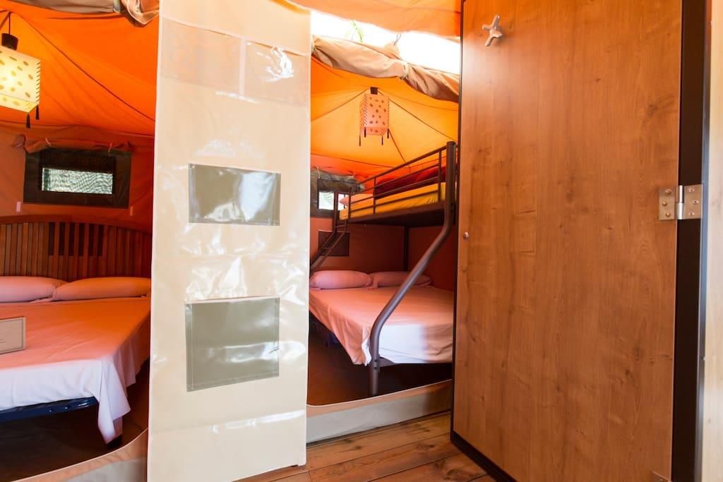 tentes caraibes tentes louer calella catalunya espagne. Black Bedroom Furniture Sets. Home Design Ideas