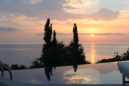 Luxurious villa with private pool - Zakinthos