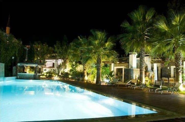 Stylish Pool&Sea Enjoy a peaceful beach in Bodrum