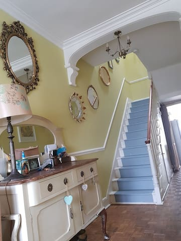2 rooms & bathroom in a family period home Yeovil