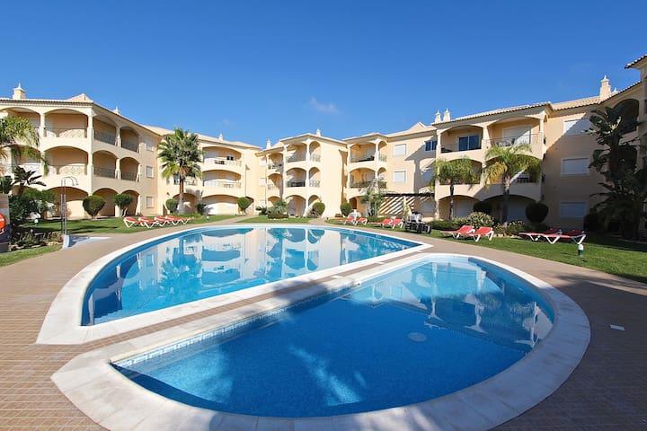 Praia Village, 2Bed 2Bath, free wifi,walk distance - Quarteira - Apartmen
