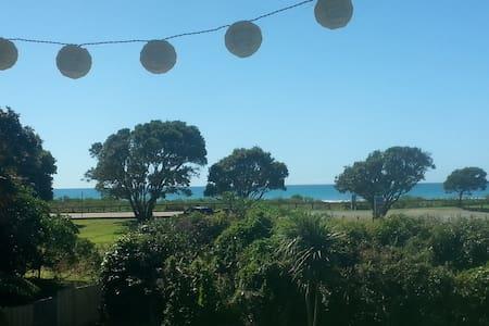 The Ohope Beach Abode...... - Ohope - Casa