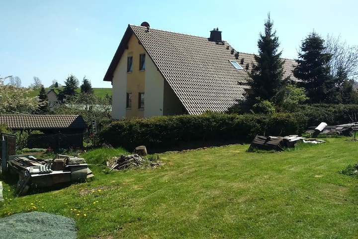 Cosy and fully furnished holiday home in the Erzgebirge mountains.