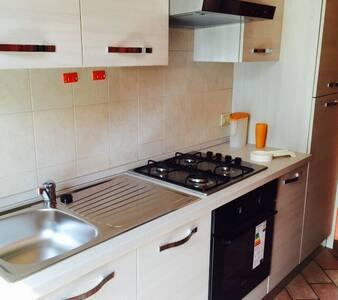 Grazioso appartamento su due piani - Ottobiano - Lägenhet