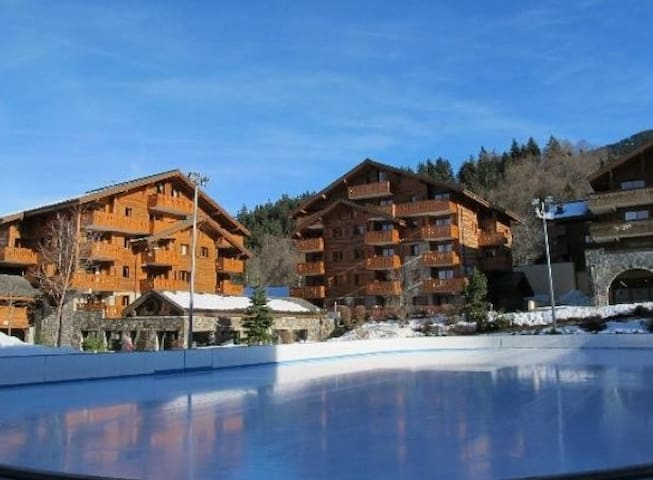 2 Bedroom 800m to ski lift, Indoor pool SPA LUXURY