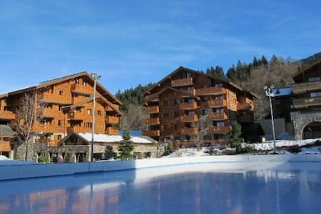 2 Bedroom 800m to ski lift! - Arâches-la-Frasse