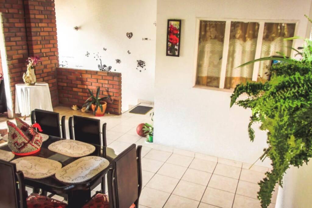 Servicio de alimentación propia de la gastronomía Santandereana por encargo.