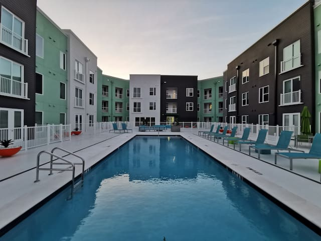 Downtown Apartment w/ Pool Deck, Gym, & Coworking