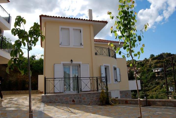 Cluster houses in Nea Epidavros - Nea Epidavros - House