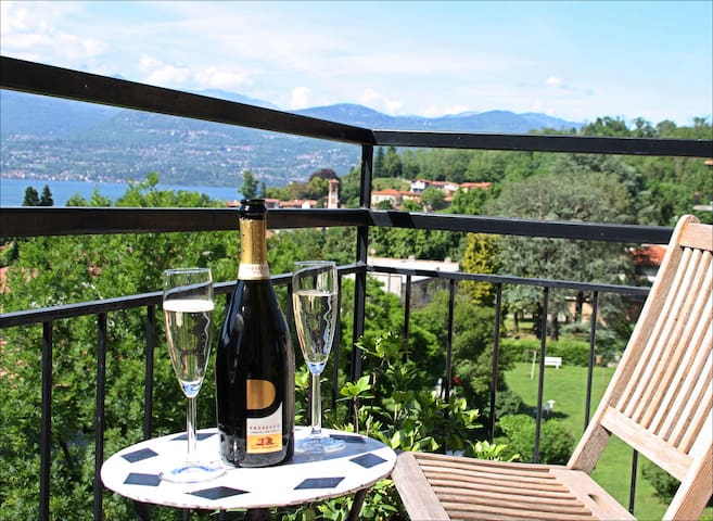 apartment with view Lago Maggiore - Laveno-Mombello - Leilighet