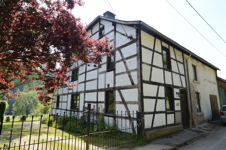 Well kept gite, short distance from the river and forest.