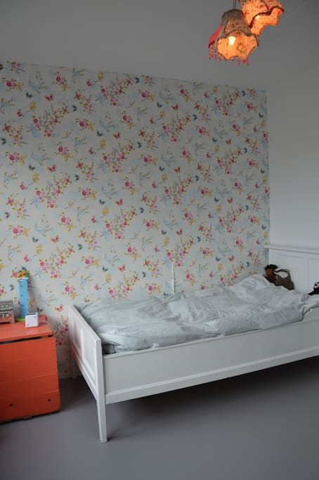 Large second bedroom with a single bed (suitable for one adult or child)