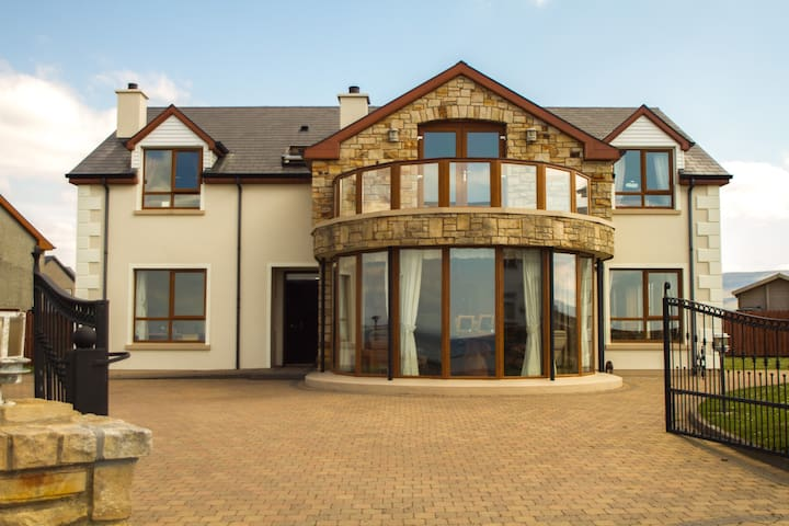 En-suite Double Room with Sea Views - Bundoran - Huis