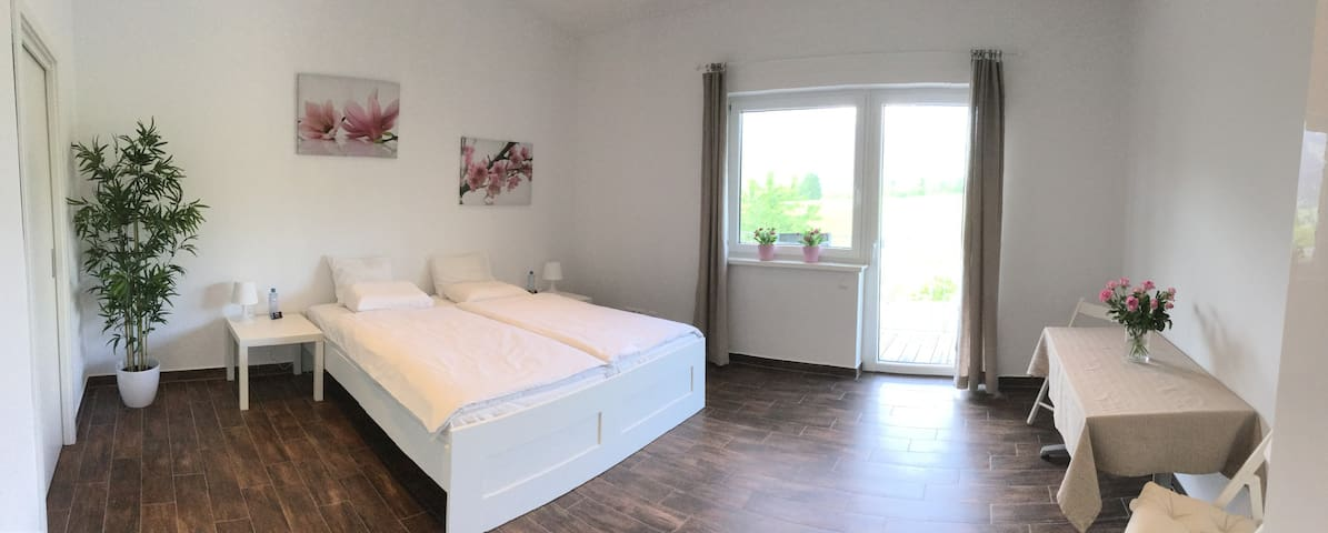 Chic Double-Room in PINZGAU - Piesendorf - บ้าน