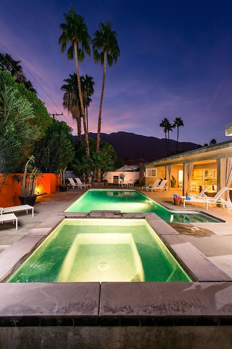 Amazing Mountain Views from your Mid Century Modern Palm Springs Oasis