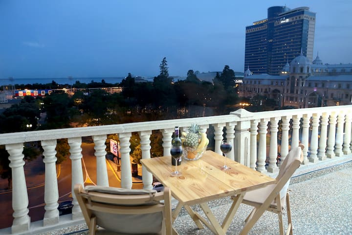 Pearl of Baku 2-Top City Center/Sea view/Terrace