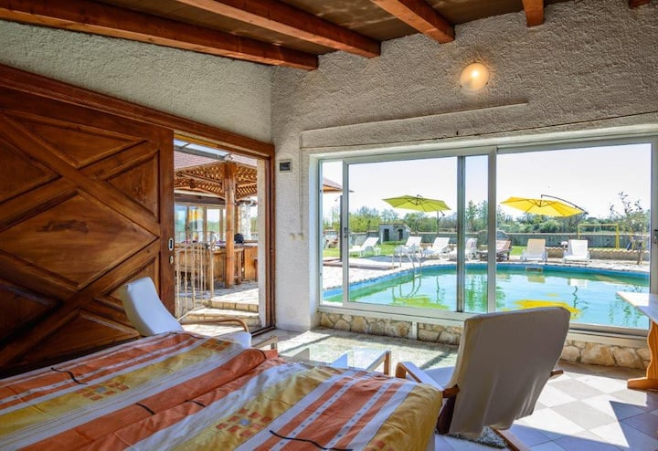 Beautiful Villa Archy with Pool