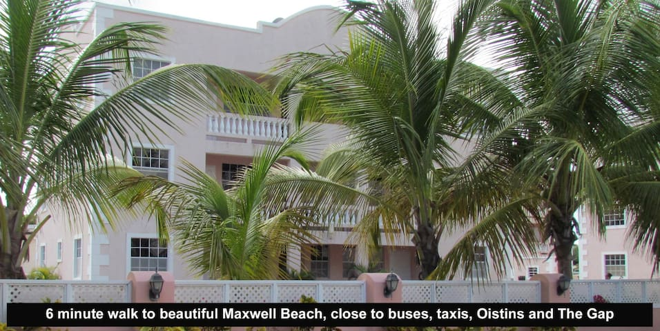 2 BR condo - walk to Maxwell Beach
