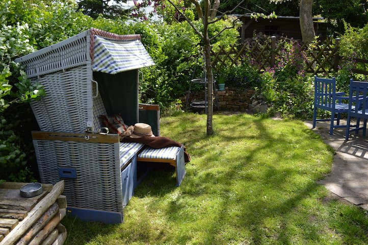 Ferienwohnung mit eigener Terrasse - Benz - Huis
