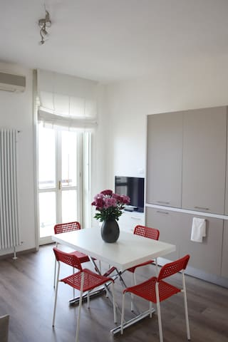 Bright apartment Duomo overview