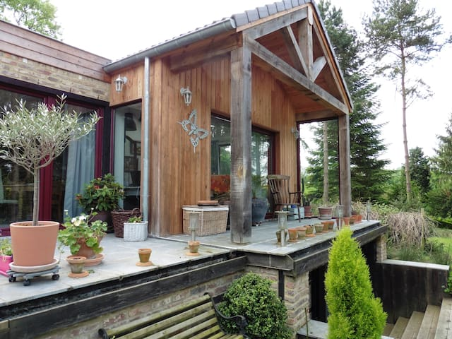 Petit studio sympa, dans la nature - Andenne - Huoneisto