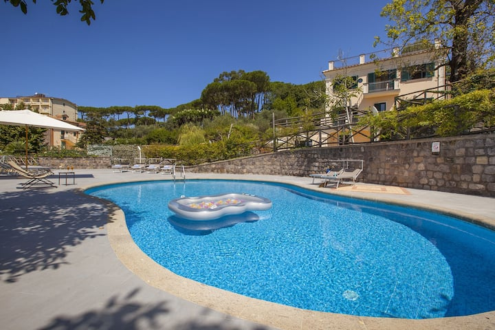Villa Il Noce with private pool ideal for families