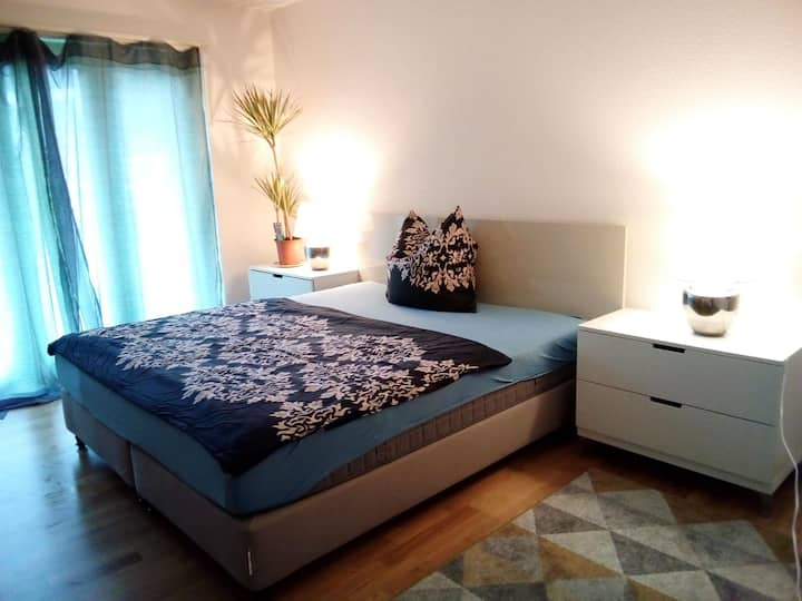 Near River, 10min to HB, 15min to Airport