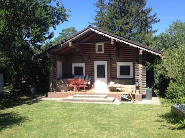 Cosy log cabin 35m2 near Vienna!